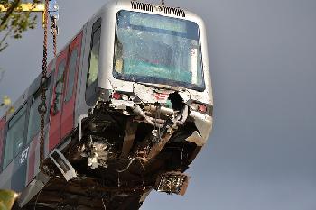 Zugunglck-in-Tschechien-2-Tote-viele-Verletzte