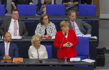 Angela-Merkel--Kanzlerin-der-Rechtsbrche
