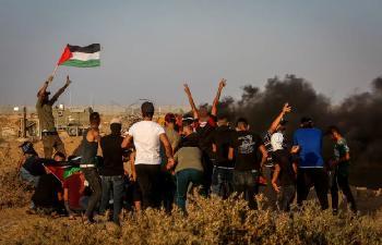 Terrorgruppen-im-Gazastreifen-versprechen-mehr-Brandballons-und-Grenzzaunaufstnde