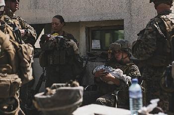Der-Kabuler-Terrorist-nherte-sich-den-USTruppen--und-sprengte-sich-selbst-in-die-Luft