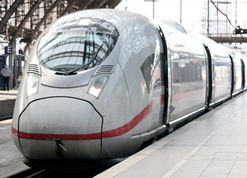 Deutsche Polizeigewerkschaft gegen vom Kanzleramt geplante 3G-Regeln in Bahnen