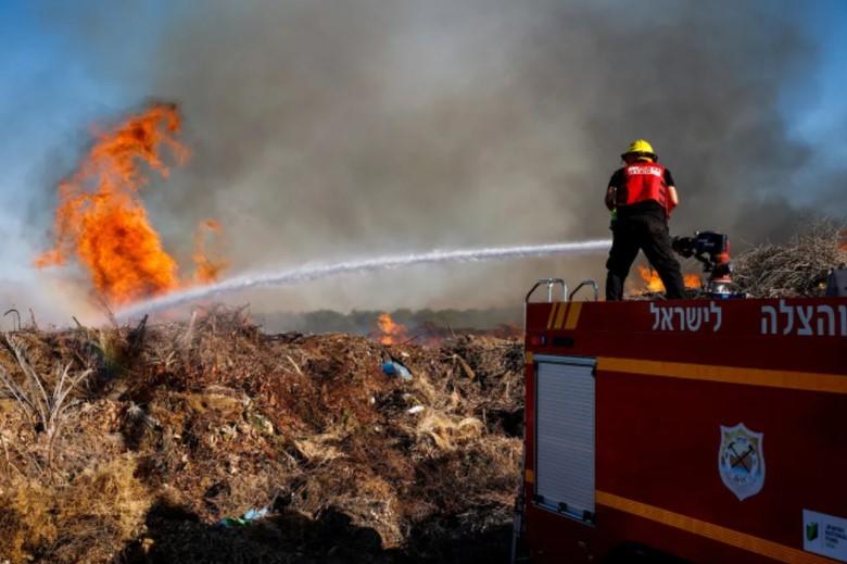 Drei Brände im Süden Israels durch Brandballons aus Gaza