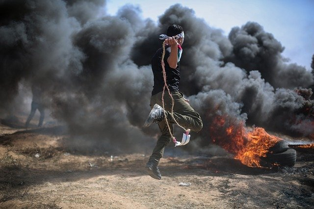 Palästinenser randalieren zur Unterstützung entflohener Gefangener