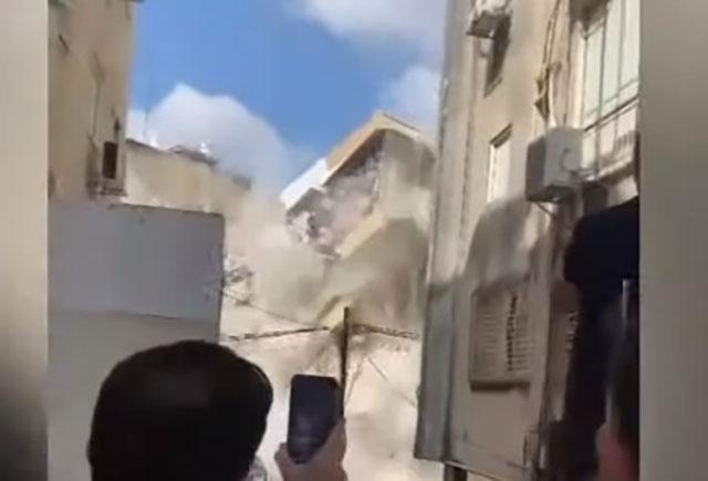 Wohnhaus in Zentralisrael stürzt ein [Video]