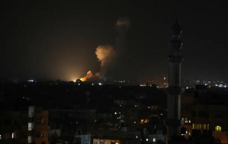 Israel greift Hamas-Positionen in Gaza als Reaktion auf Raketenbeschuss an