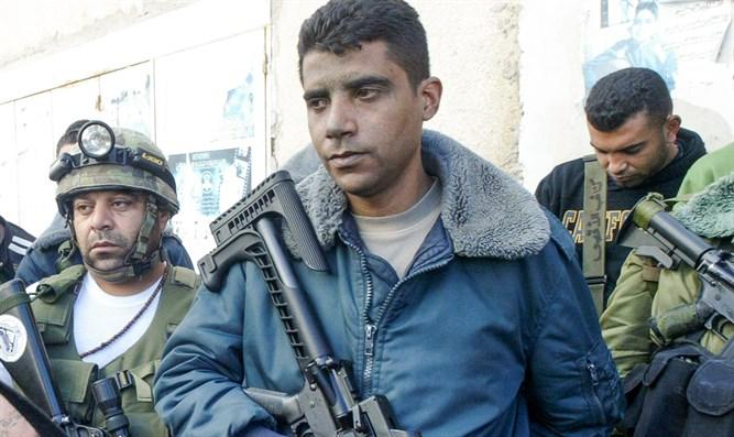 Ein entflohener Terrorist forderte die Bürger auf, ihn in PA-Gebiete zu fahren, aber sie lehnten ab