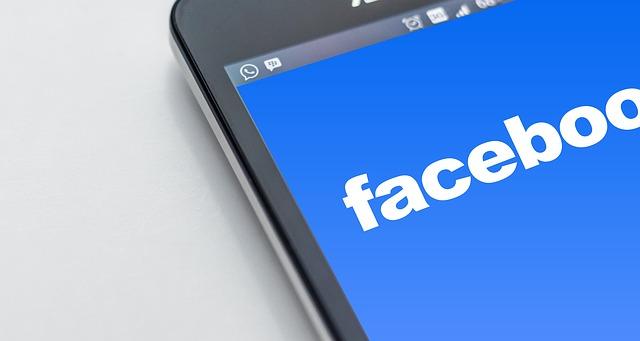 """Facebook löscht, was es für """"Querdenker""""-Kanäle hält"""