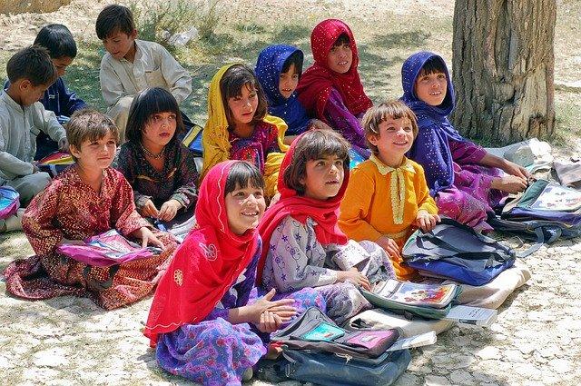 Taliban scheinen Mädchen von der Sekundarschulbildung auszuschließen