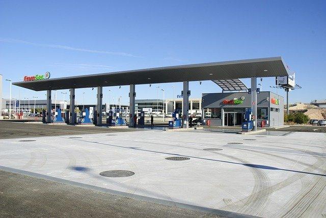 Panikkäufe an Tankstellen - London will nun doch Visa-Ausnahmen für Lkw-Fahrer