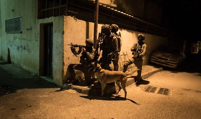 IDF-Offizier, Soldat bei Schießerei mit Hamas-Terroristen schwer verletzt