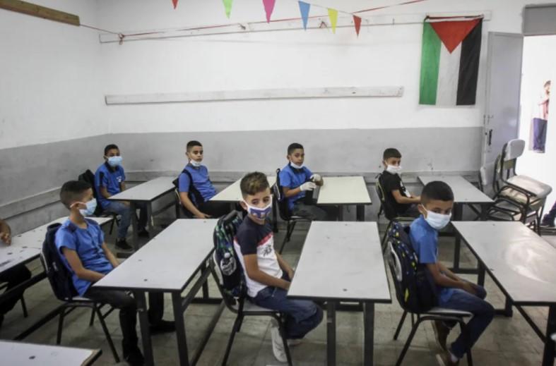 Europäisches Parlament will UNRWA-Hilfe wegen Aufstachelung in PA-Lehrbüchern an Bedingungen knüpfen