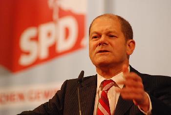 Scholz-nach-Razzia-im-Finanzministerium-unter-Druck
