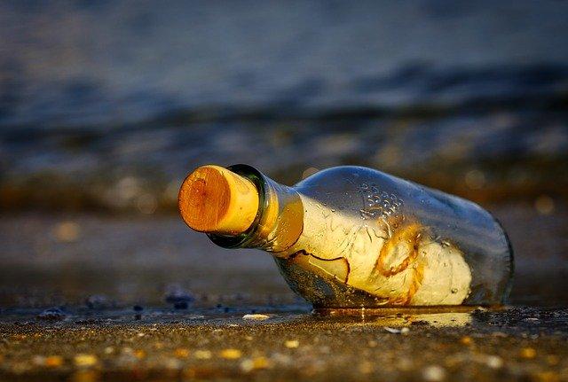 Flaschenpost: Corona als Zentrum politischer Hässlichkeit