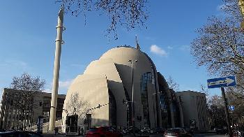 """Ex-Muslima: """"Muezzinruf in Köln erinnert mich an Folter, Hetze und Blut"""""""