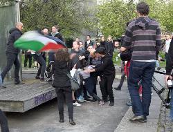 """Übergriff auf Israelfreund bei """"revolutionärer 1. Mai-Demonstration"""" in Berlin"""