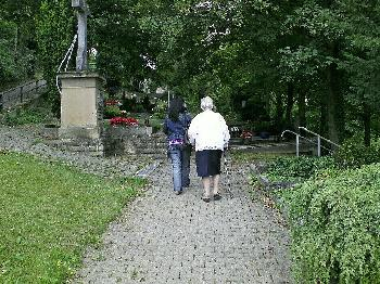Südfriedhof Magdeburg: `Nordafrikanischer Phänotypus´ versucht Sexübergriff auf 76-Jährige