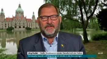 Radek: Ein Stein ist kein politisches Argument