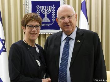 Annegret Kramp-Karrenbauer in Israel