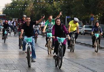 Iranische Frauen: Fahrradfahren gegen das Regime
