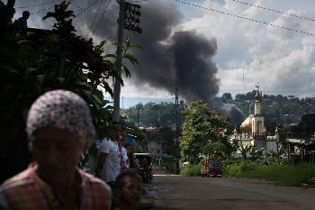 Philippinen: Christen abgeschlachtet, Kirchen bombardiert
