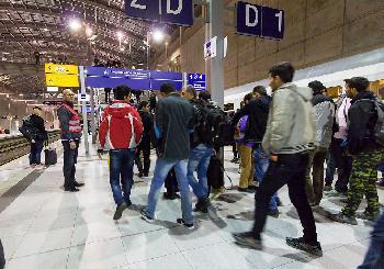 Merkels offene Grenzen: Mehr als 7000 Kriegsverbrecher nach Deutschland gekommen