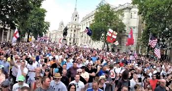 `We love Trump´: Tausende Menschen feierten in London den Besuch des US-Präsidenten [Video]
