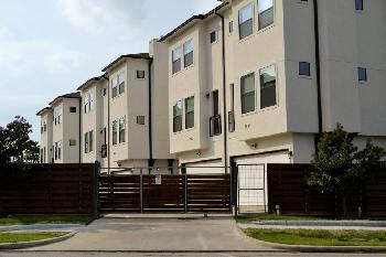 Radikalität als Geschäftsmodell: Grüne drohen Wohnungsvermietern mit Enteignung