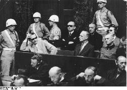 Der Holocaust: Viele Verbrecher, wenige Helden