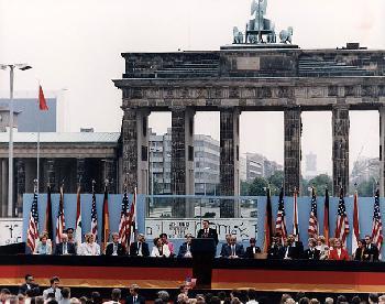 Die historischen Verdienste der USA und Präsident Ronald Reagans