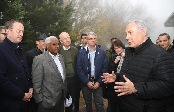 Botschafter besuchen Tunnel-Gebiet im Norden