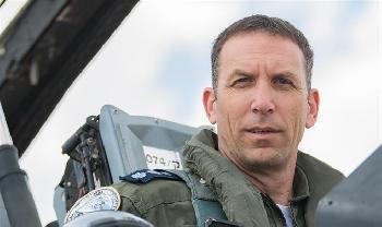 F-16-Kampfpilot kandidiert für Partei Neue Rechte