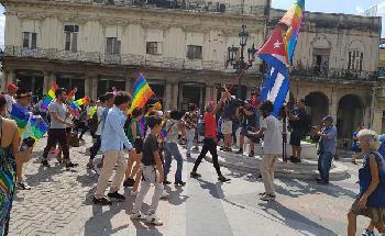 Trotz Verbot: Schwule und Lesben demonstrieren in Kuba für ihre Rechte