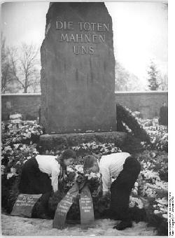 Berlin: Weniger Teilnehmer am Liebknecht-Luxemburg-Gedenken