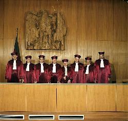Juristen urteilen - EvoHumis flippen aus