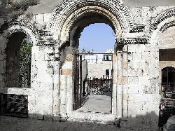 Aus Ruinen zu Pracht