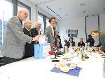 Mitglieder starten `Volksbegehren´ für vorgezogene Neuwahlen