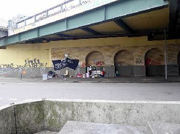 Berlin: `Bist Du schwul?´ - 22jähriger auf offener Straße angegriffen