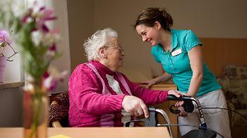 Gesetz für bessere Pflegelöhne