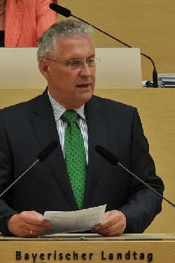 Herrmann: Unterbringung in Bamberger Ankunfts- und Rückführungseinrichtung angemessen
