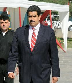 Venezuela: Sozialistenführer tanzt vor Hungernden