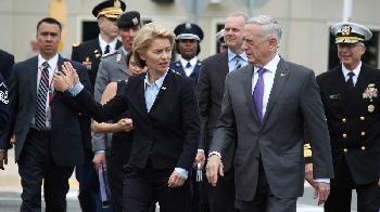 Begrüßung von Bundesverteidigungsministerin von der Leyen im US-Verteidigungsministerium