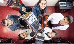 In welchem Land können arabische Oberstufenschüler helfen einen Satelliten zu starten?