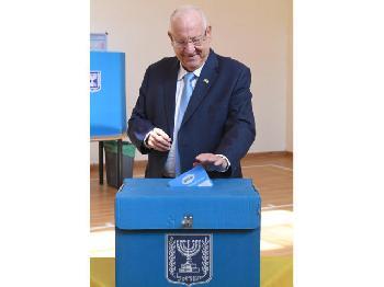 Staatspräsident Rivlin beginnt Beratungen