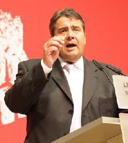 Ist der Außenminister Deutschlands befangen?