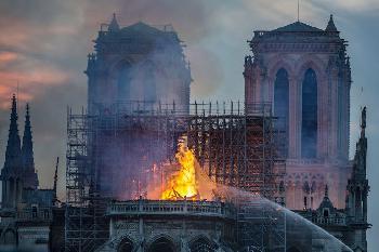 Der Brand in der Notre Dame und die Zerstörung des christlichen Europas
