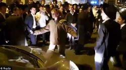 Kampfsport gegen Demonstranten