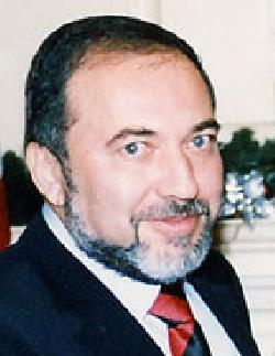 Liebermann wird neuer Verteidigungsminister