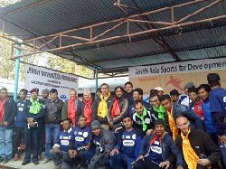 Gemeinsame Spendenaktion für nepalesischen Fußballnachwuchs