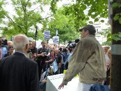 Rekordbeteiligung bei Protesten gegen antisemitischen Hassmarsch
