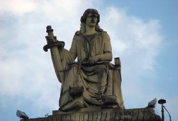 Urteil wegen sexuellen Missbrauchs eines widerstandsunfähigen 14-jährigen Mädchens aus Hamburg rechtskräftig